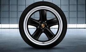 The 19-inch wheels from Porsche recreate the Fuchs wheels from the 911 Sport Classic. (Photo courtesy of AutoWeek.)