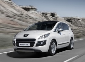 The Peugeot 3008 HYbrid4. (Photo via thedieseldriver.com.)