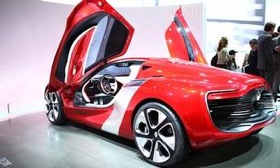 The Renault DeZir electric-car concept has a top speed of 112 mph. (Photo by Greg Robinson.)