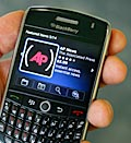 Blackberry Curve 8900 (© Peter Morgan/AP)