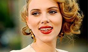 Actress Scarlett Johansson recently listed her home in Hollywood Hills, Calif. (© Chris Pizzello/AP)