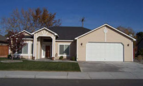 This $205,000 home is in Kennewick, Wash., where home prices rose 3.96% in the fourth quarter of 2009 from the year-ago period. (© Realtor.com)