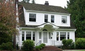 The home occupied by Laura Palmer in the 1990s TV series 'Twin Peaks' is for sale for $459,500 in Monroe, Wash. (© Realtor.com)