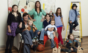 Husband-and-wife design team Bob and Cortney Novogratz star in '9 by Design' along with their seven children. (Courtesy Bravo)